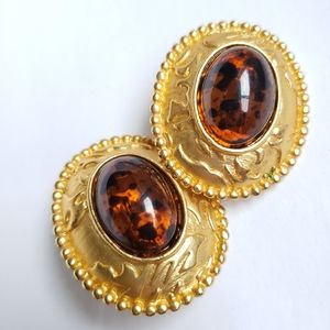 Jewelry - Gorgeous clip on earrings